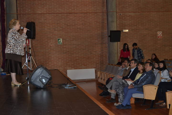La presidenta de la Diputación asiste al Concierto benéfico de Manos Unidas en el Centro San José