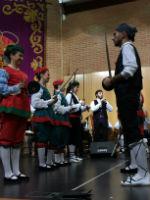 Brillante actuación de la Escuela de Folklore de la Diputación en el San José