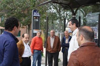 Antonio Román recorre Taracena para escuchar las demandas de los vecinos