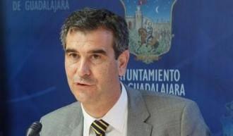 Dos caras nuevas en la lista que ha preparado Antonio Román para ser reelegido alcalde de Guadalajara