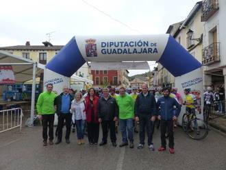 Más de 300 personas participan en Tendilla en la tercera prueba del Circuito de Mountain Bike de la Diputación