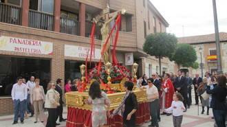 La fiesta desborda la calle con la programación diseñada para honrar al Cristo de la Expiración de Cabanillas