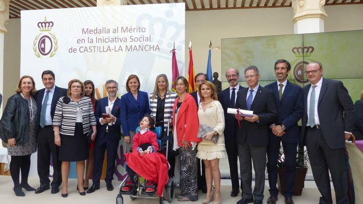 Guarinos felicita a Pedro Solís y Javier Senent por la Medalla al Mérito en la Iniciativa Social de la región