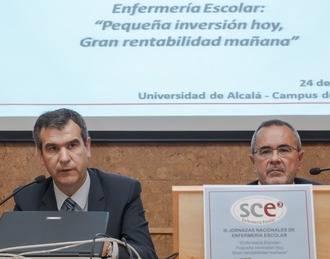 El alcalde de Guadalajara reconoce la labor de los profesionales sanitarios por mejorar el bienestar de las personas