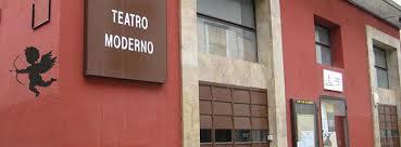 """El Festival de Poesía """"Arriversos"""" celebra en el Teatro Moderno su nueva edición"""