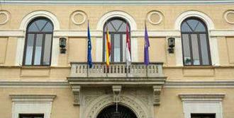 La Diputación refinancia cuatro préstamos que supondrán ahorros de 85.000 euros al año