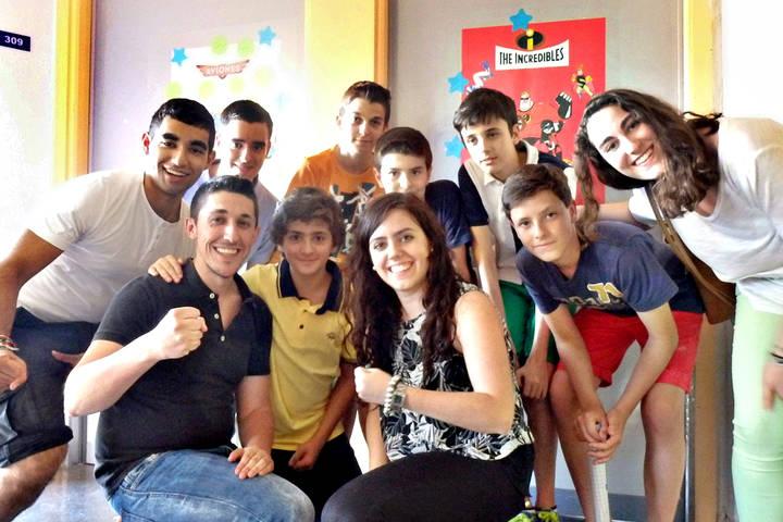 Un grupo de voluntarios renueva la decoración infantil de la planta de Pediatría del Hospital de Guadalajara
