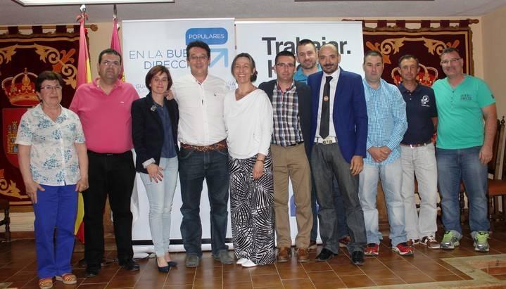 Ana Guarinos anoche con la candidatura del PP a la  Alcaldía de Humanes