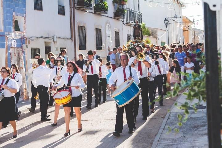 Fuentenovilla vive con intensidad sus fiestas de San Isidro y de la Virgen del Perpetuo Socorro