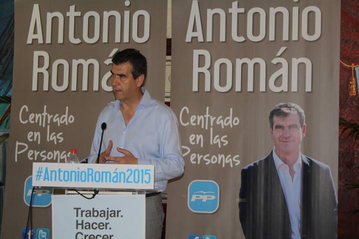 """Román: """"Nuestro programa es sensato y de futuro. Demuestra nuestra ilusión por seguir trabajando por Guadalajara"""""""