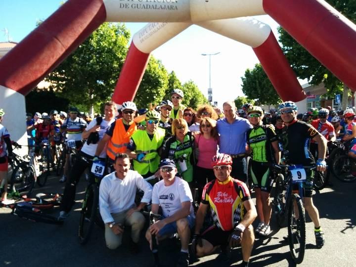 Más de quinientas bicicletas y un éxito rotundo de organización en la I Villanueva MTB Race