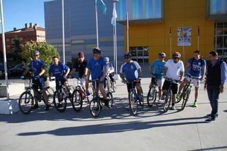 Antonio Román y su candidatura recorren Guadalajara en bicicleta