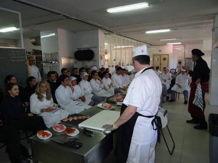Éxito de participación en la jornada celebrada en Guadalajara para dar a conocer los nuevos cortes de cordero y lechal