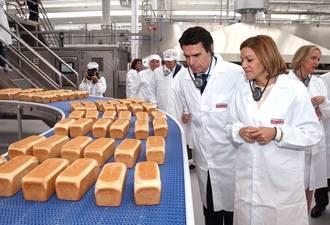 """Cospedal destaca que la apertura de la nueva planta de Bimbo en Azuqueca """"es un motivo de orgullo, alegría y satisfacción para todos los castellano-manchegos"""""""