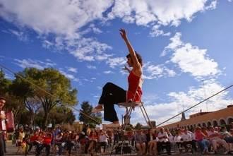 El circo llega a Albendiego de la mano de la Asociación Cultural MYAU