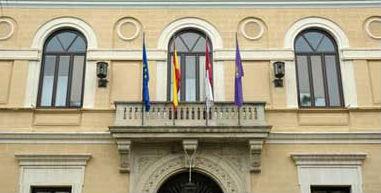 Nuevo varapalo del Defensor del Pueblo a PSOE e IU
