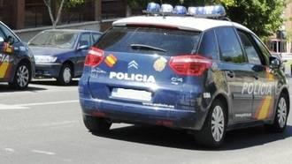Roba una cadena de oro a una anciana y amenaza a un testigo con un cuchillo en Guadalajara
