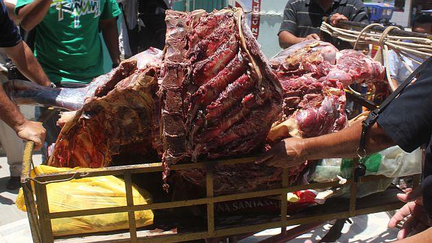 INCREÍBLE PERO CIERTO : Decomisan carne podrida que lllevaba congelada 40 años