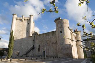 La III ruta motera 'Camino del Cid' mantiene como referencia el Centro de Interpretación Turística del castillo de Torija