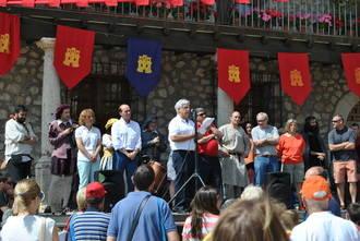 La tarasca, don Quijote y los tercios españoles se asomaron al balcón de Entrepeñas que es Alocén en la I Feria Renacentista del Corpus Christi