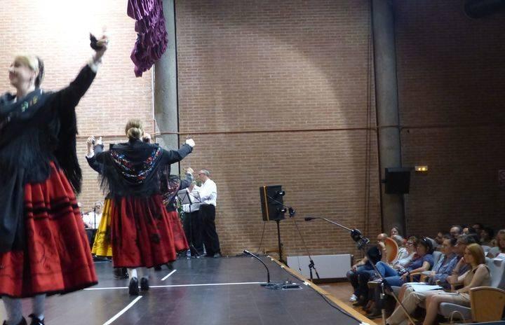 Los alumnos de baile y música de la Escuela de Folklore de la Diputación ponen el broche de oro a un curso intenso