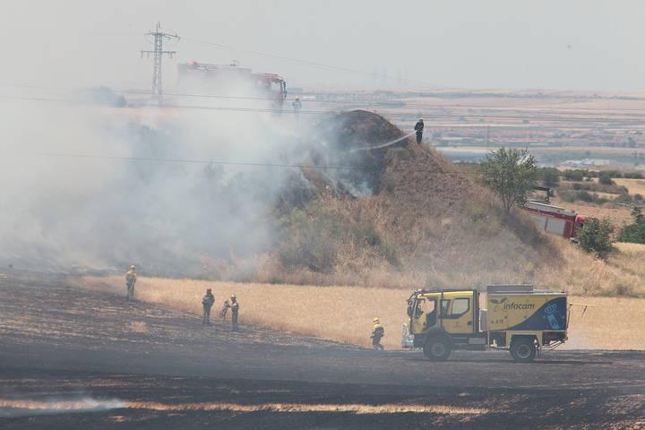 Controlado el incendio en las inmediaciones del Hospital de Guadalajara con 14 coches calcinados