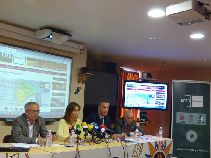 Ana Guarinos presenta una nueva edición de los Cursos de Verano de la UNED en Guadalajara