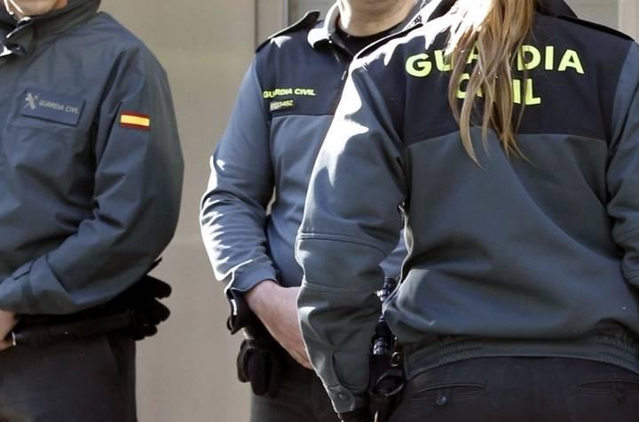 La Guardia Civil detiene a un conductor implicado en un accidente en Torija por dar una tasa de alcoholemia de 1,22 en aire espirado