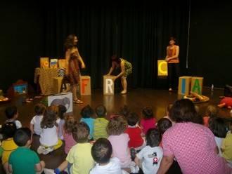 Éxito de la jornada de puertas abiertas en la biblioteca y las escuelas infantiles en Alovera