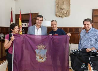 Román recibe a José Manuel Fernández, escalador que en unos días ascenderá el K2