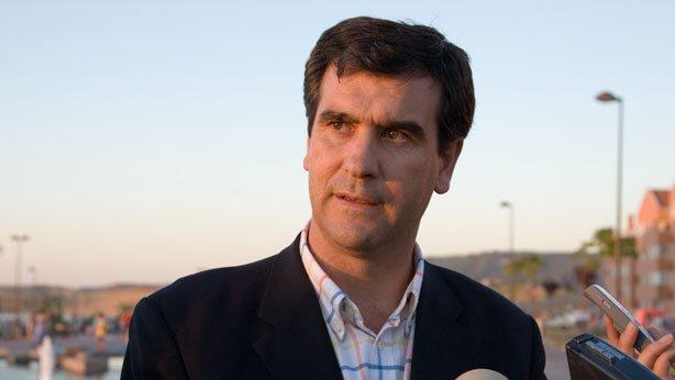 Antonio Román pone las bases para acabar con el conflicto de los bomberos de Guadalajara