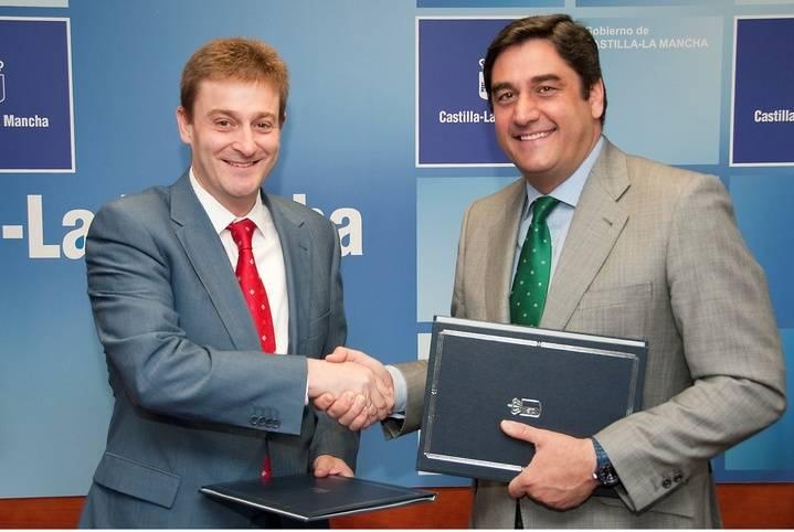 Sanidad y Asuntos Sociales firma un convenio para la formación y el reciclaje de los profesionales sanitarios