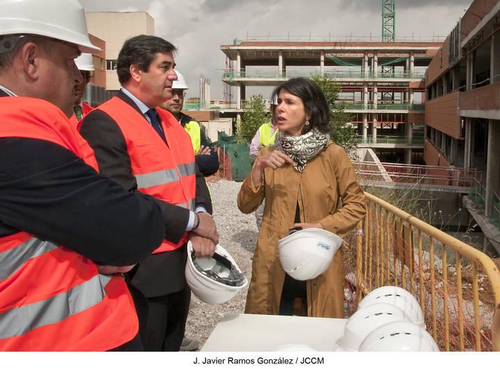 Echániz visita las obras del Hospital General Universitario de Guadalajara