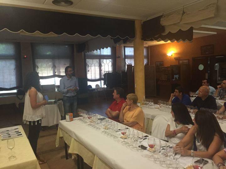 La bodega Abadía de Acón celebra una cata de sus vinos en El Fogón del Vallejo de Alovera