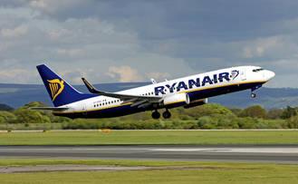 Ryanair deja en tierra en Dublín a 39 escolares y 4 profesores de El Casar