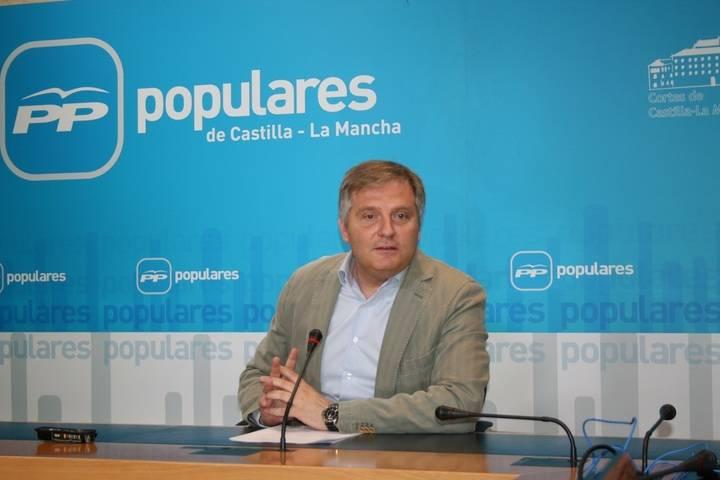 Cañizares denuncia que los escándalos inhabilitan al Gobierno de García-Page
