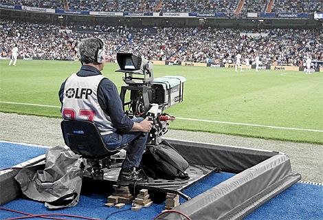 Telefónica compra los derechos de la Liga 2015/16 por 600 millones de euros