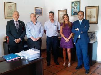 El Ayuntamiento de El Casar y Caja Rural Castilla-La Mancha firman un acuerdo para financiar el pago a proveedores