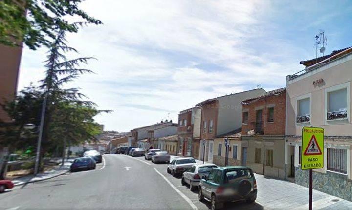 Dos personas son 'pilladas' robando 59 rejillas de alcantarillado en la capital