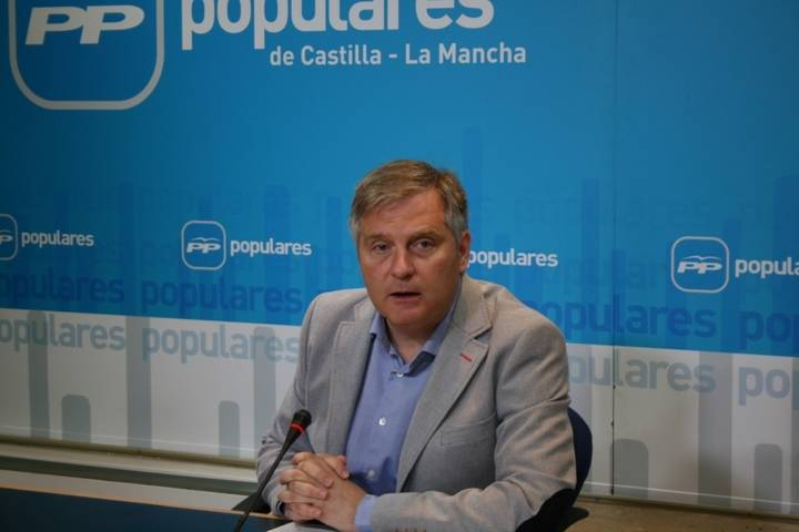 Prueba grande: El PP hace públicas 25 preguntas a Page sobre su pacto con Podemos
