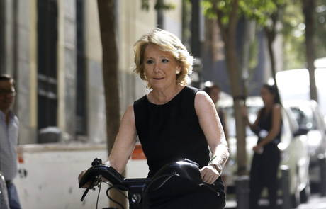 """Aguirre sobre la política de okupas de Carmena : una labor educativa de... """"barriles de cerveza"""""""