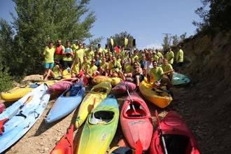 El Club de Piragüismo Trillo continúa haciendo afición al deporte en el Tajo