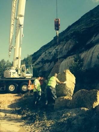 Diputación soluciona el posible desprendimiento de varias rocas de hasta 7.000 kilos en Somolinos