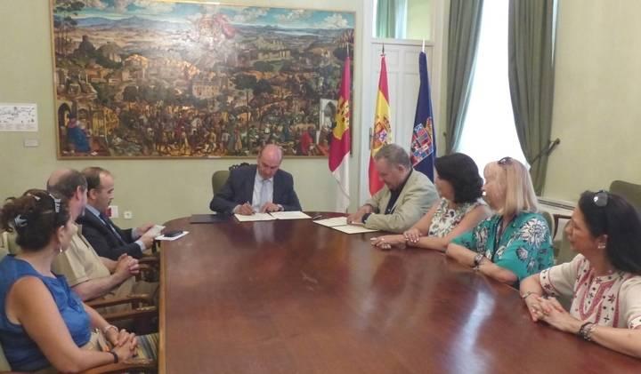 La Diputación colabora con Siglo Futuro para la organización de actividades culturales en los pueblos de la provincia