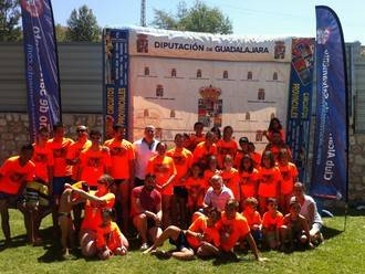 Gran ambiente en el inicio del XXVII Campeonato Interpueblos de natación que organiza Diputación