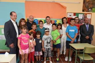 Page anuncia la reapertura de las escuelas rurales de Alcoroches, Hueva y Anguita