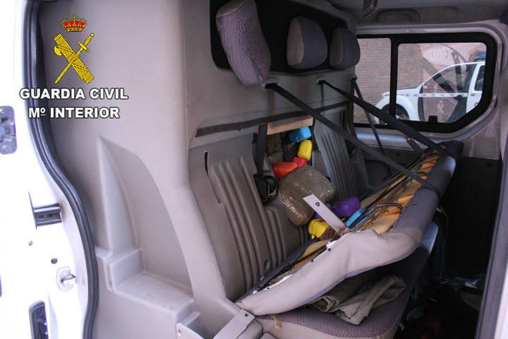 La Guardia Civil 'pilla' a dos personas en Gajanejos con 330 kilogramos de hachís