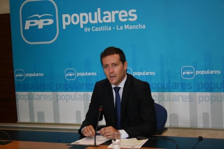 """Velázquez critica la """"cacicada antidemocrática del bipartito PSOE-Podemos imponiendo que haya diputados de primera y de segunda"""""""