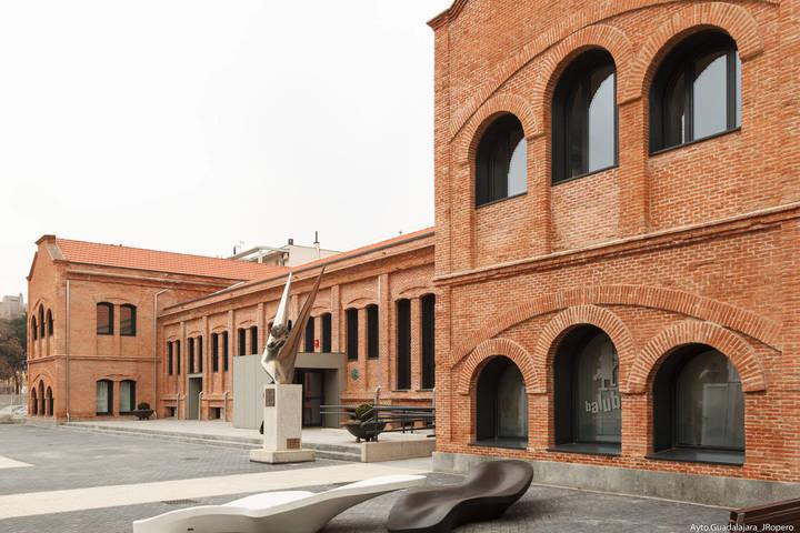 Continúa la actividad en el Centro de Familia 'Cuartel del Henares' durante los meses de verano