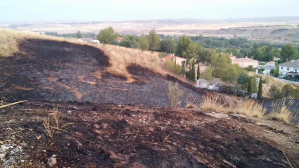 Cuatro casas tienen que ser desalojadas por un incendio en Illana